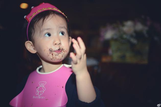 黄磊小女儿三岁生日