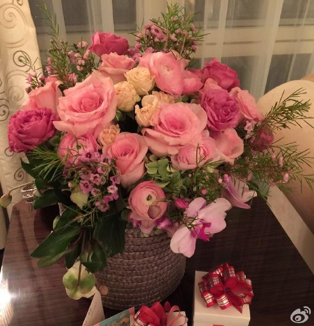 12月22日是赵雅芝和黄锦燊的结婚纪念日