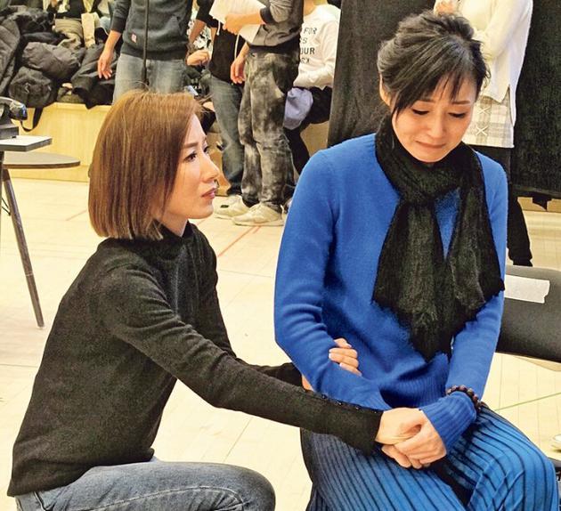 杨怡(左)与万绮雯(右)都是好演技,真哭没有难度。