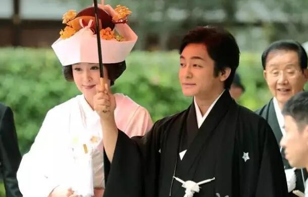 藤原纪香&片冈爱之助夫妇