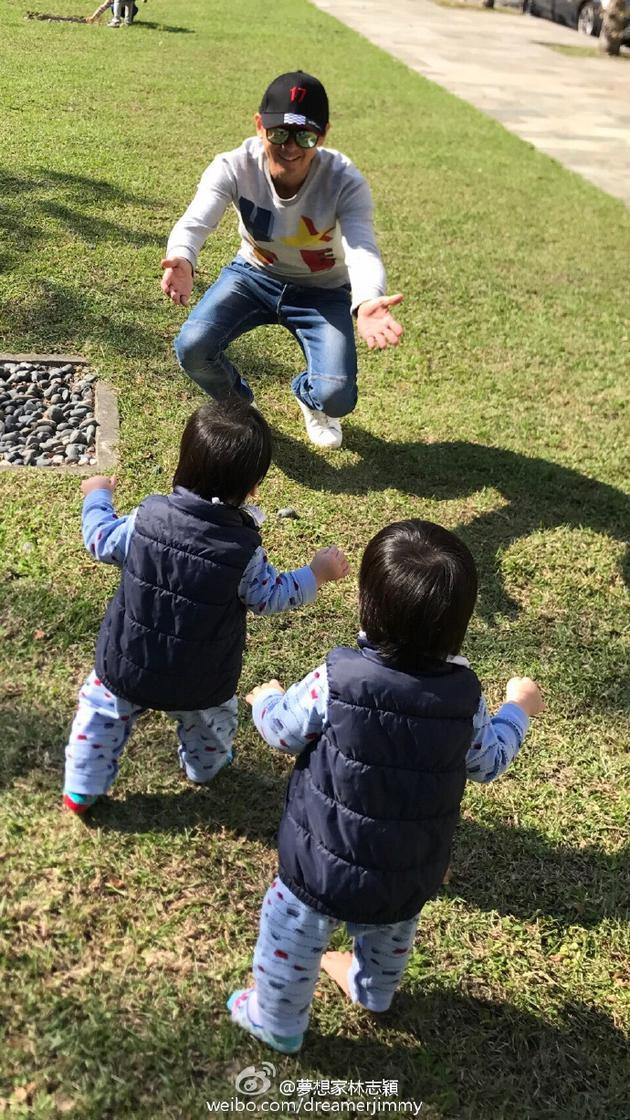 林志颖和双胞胎儿子