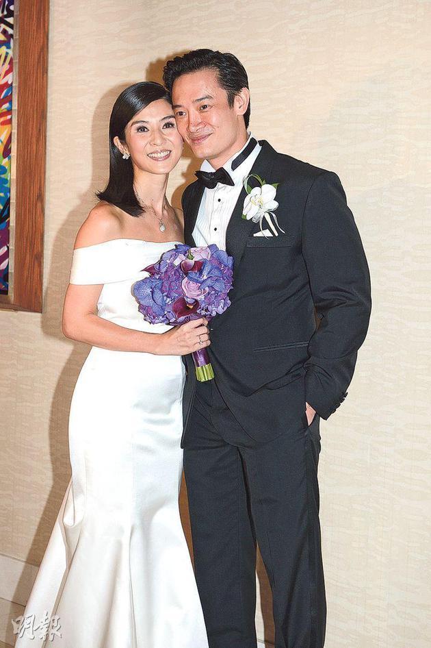 杨采妮跟丈夫于2013年结婚,婚后3年多终于有好消息。