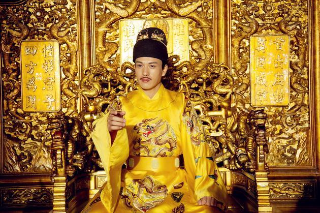 马敬涵演皇帝