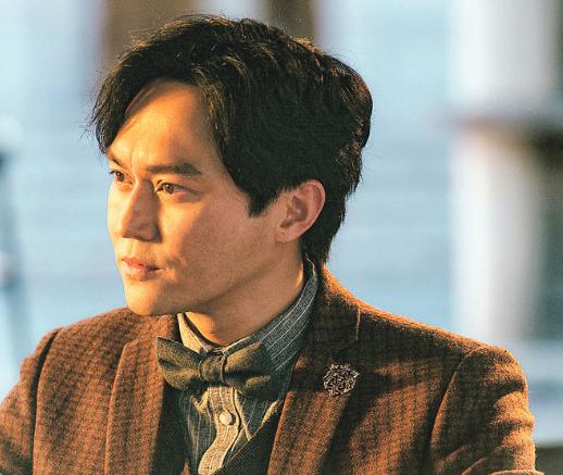 张智霖落实参与内地剧《求婚大作战》演出。
