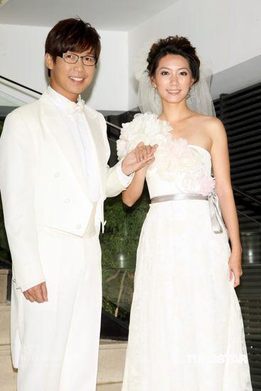 品冠与Jennifer婚纱照