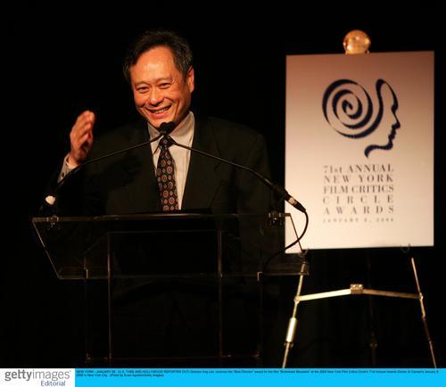 李安在纽约影评人协会奖颁奖现场。