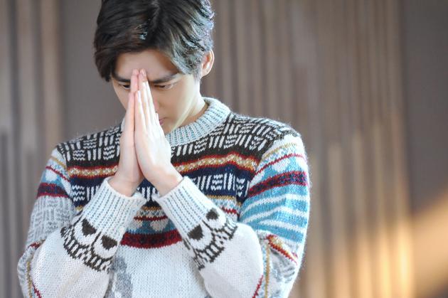 李易峰拍摄春蕾计划主题曲