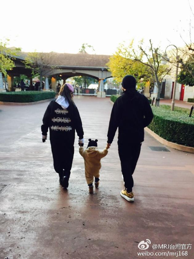 周杰伦昆凌与女儿