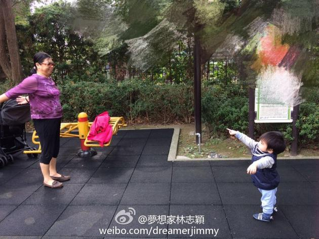 林志颖小儿子跳广场舞