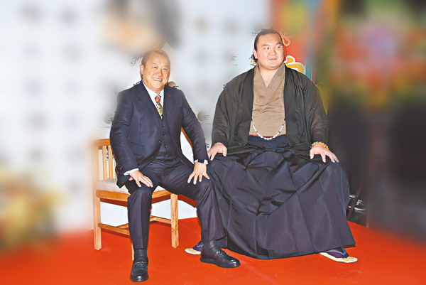 新浪娱乐讯 北京时间2月8日消息,据香港媒体报道,曾志伟[微博]跟