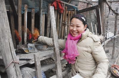 白茹云曾经一边放羊一边读诗,沉醉时,一抬头,羊群不见了。图/视觉中国