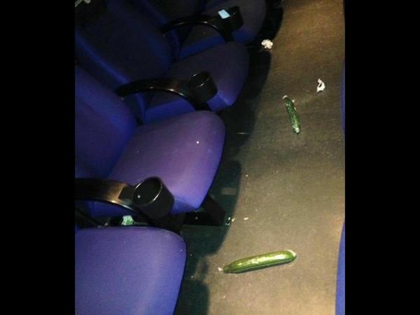 看完《五十度黑》电影院留下小黄瓜