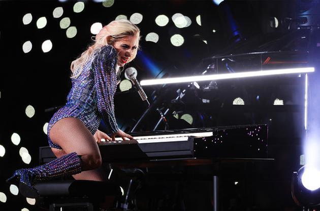 Lady GaGa获公告牌百大艺人榜冠军