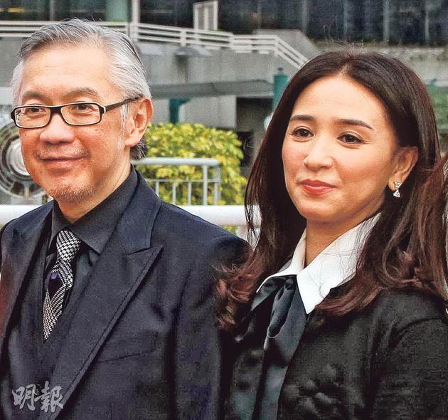 吴婉芳与丈夫胡家骅从拍拖到结婚相伴30多年,突然饱受丧夫之痛,难怪伤心哭断肠。