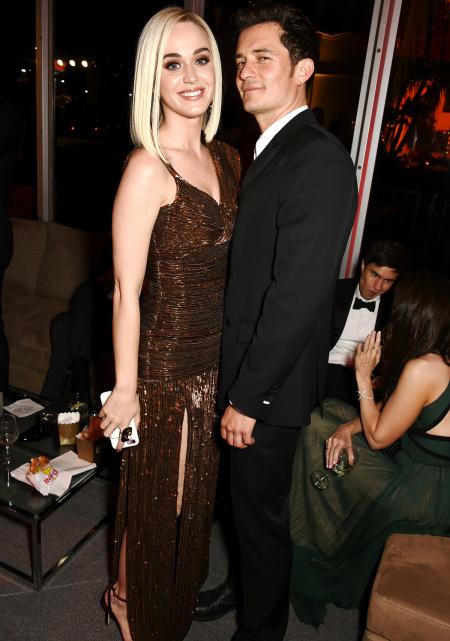当地时间2月26日,精灵王子和水果姐一同出席奥斯卡晚宴