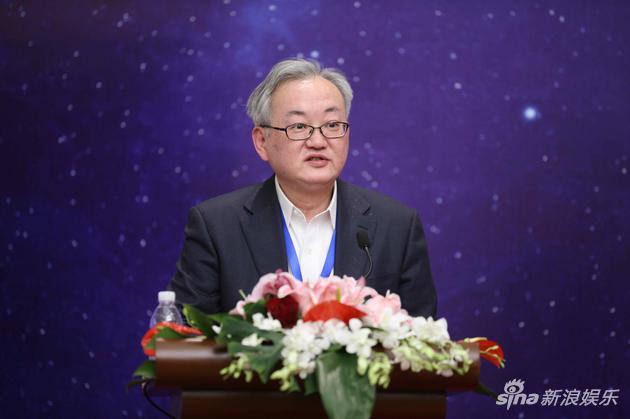 市文广局副局长王玮