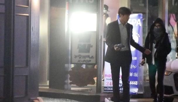 李敏镐于前年3月与秀智爆出恋情