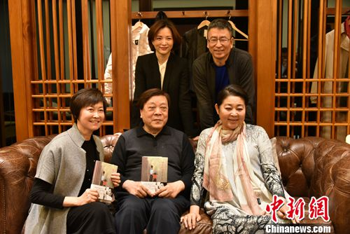 现在的倪萍,仍然幽默并且富有亲和力。北京长江新世纪供图