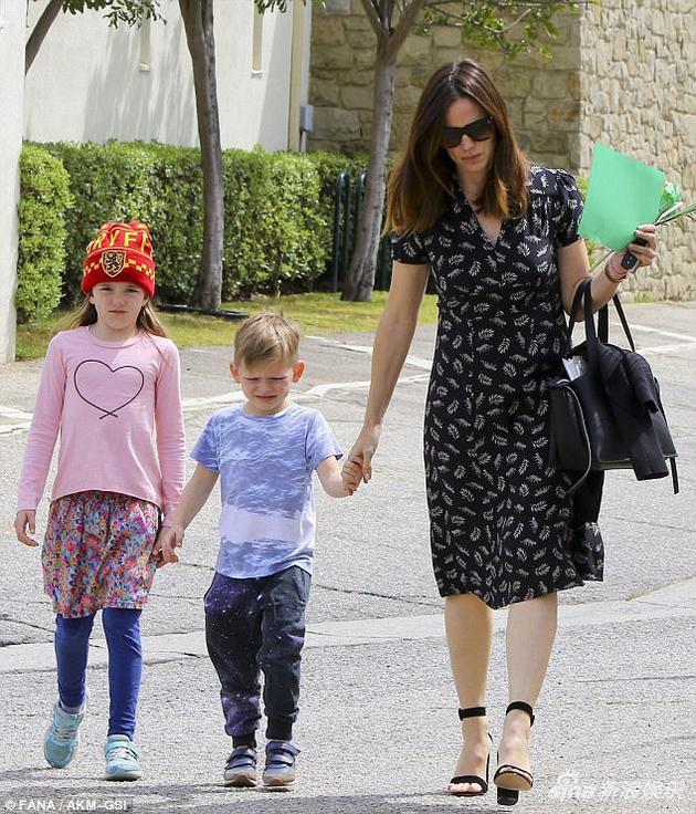 詹妮弗和孩子