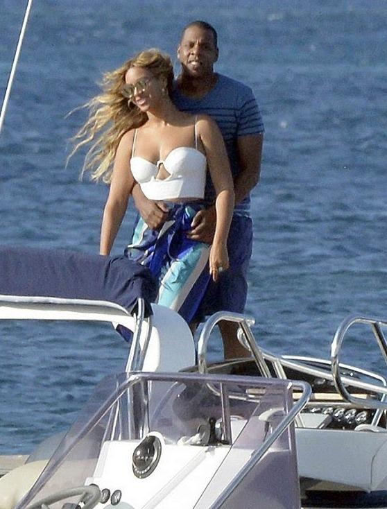 因2年前租的游艇 碧昂斯夫妇被卷入洗钱丑闻