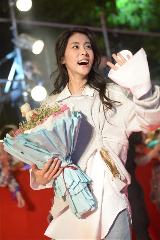 《歌手》决赛张碧晨谈帮唱嘉宾:还未抵达长沙