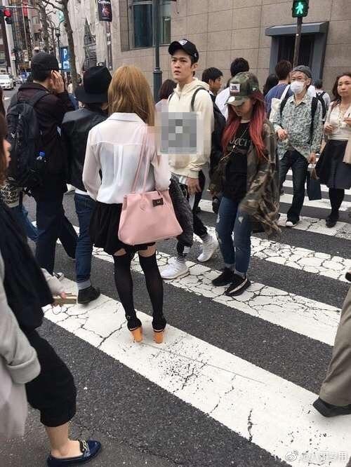 二人在日本街头