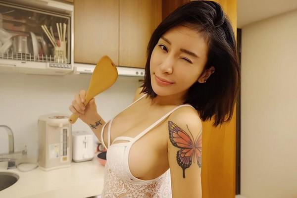 梁紫晨服装设计师