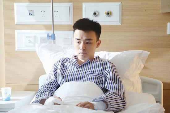 邵伟桐出演外科风云