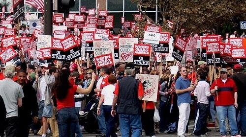美国编剧罢工一触即发 好莱坞影剧将受巨大冲击