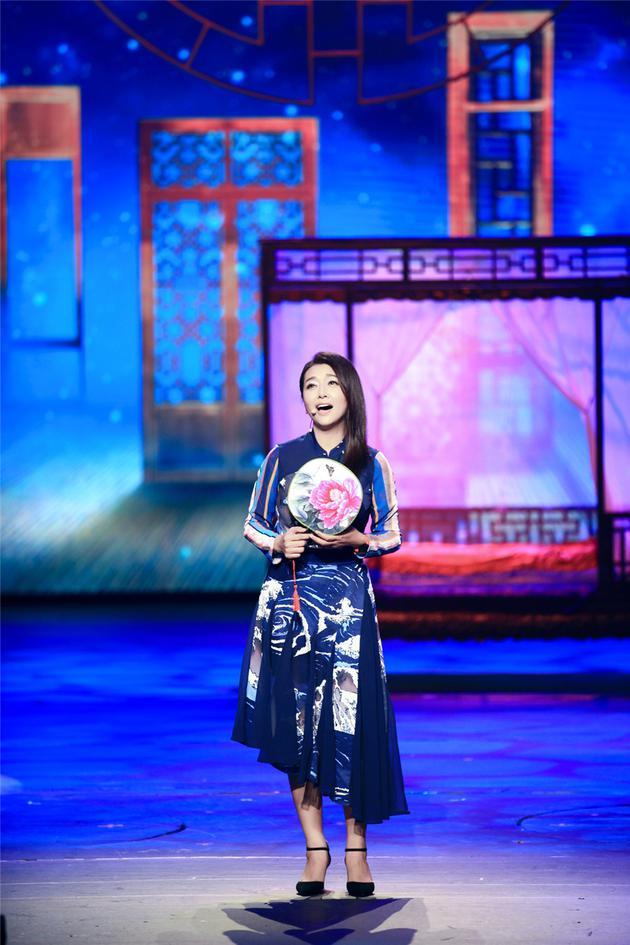 江珊用歌声回忆故乡与童年