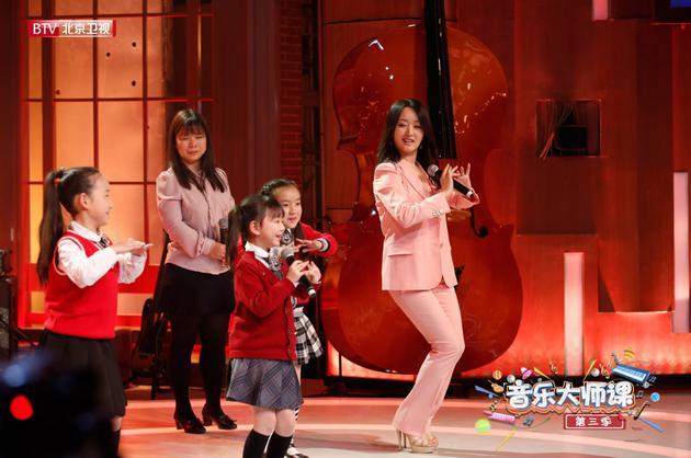 杨钰莹学跳印度舞