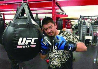 徐晓冬,网传其号称中国传统武术打假第一人,自封中国综合格斗MMA第一人。