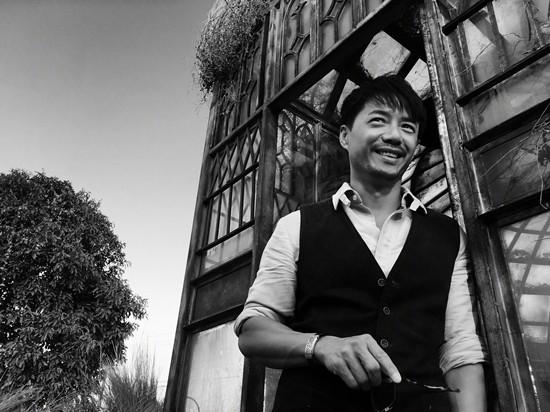 黄渤《记忆大师》双重人格 拍摄众主创特写引好评