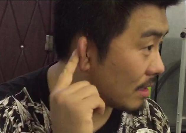 """20年习武让徐晓冬的耳朵都有了""""老茧"""" 摄/ 范博韬"""