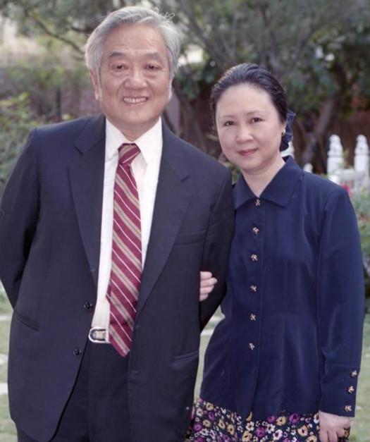 琼瑶夫妇(资料图)