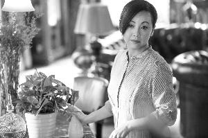 《繁星四月》邓萃雯接演狠辣养母 因王祖蓝牵线