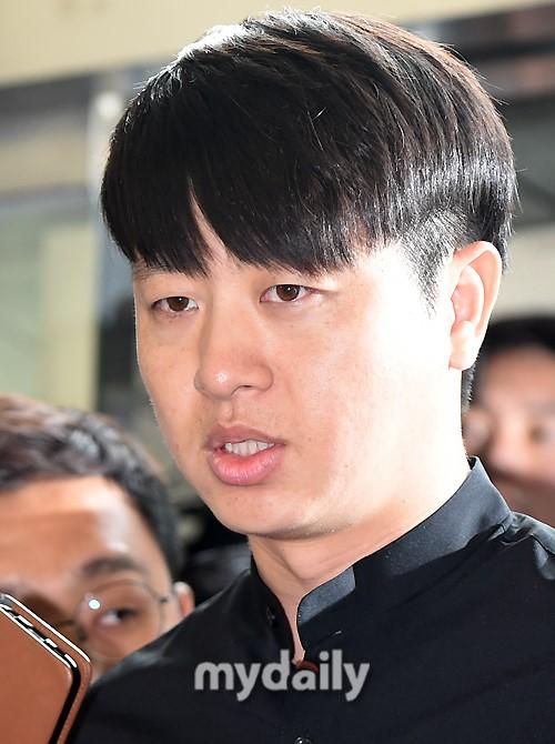 韩星刘尚武大肠癌动手术 公司表示恢复良好