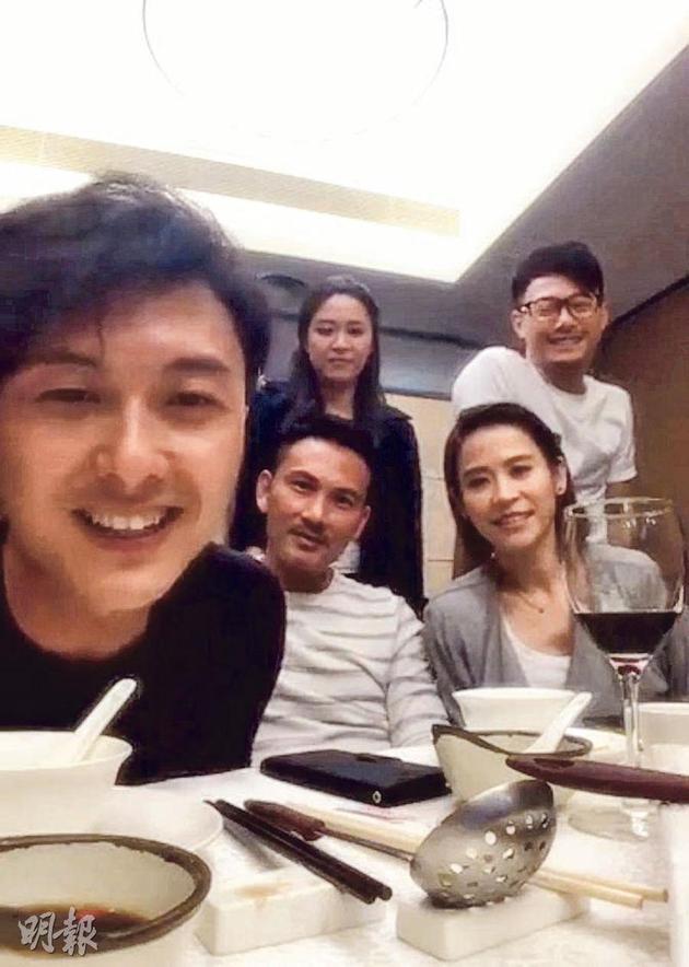 """唐诗咏前晚(5月11日)缺席《撒娇》饭局,王浩信就对着镜头说:""""Cherry(唐诗咏)应该去结婚了!大家可以暂时忽略平常听到的传闻。"""""""