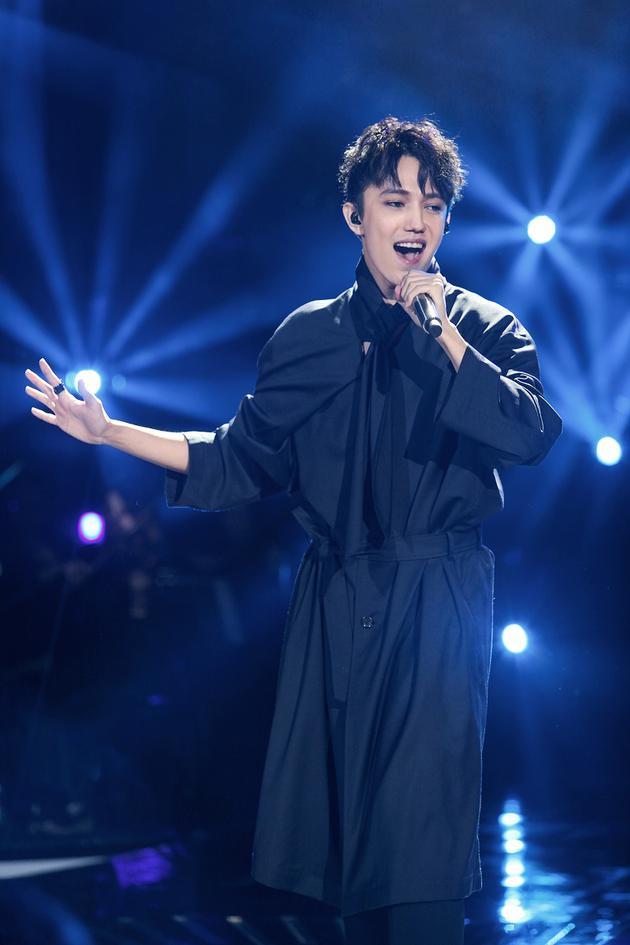 《歌手》亮相一带一路高峰论坛 洪涛迪玛希受访