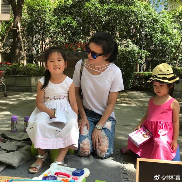 教子有方!林熙蕾卖二手物品教女儿数学又做慈善