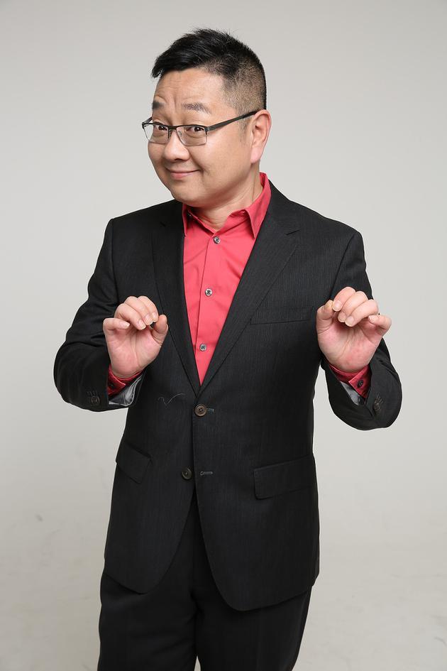 """张绍刚:不觉得自己""""招黑"""" 赞王嘉尔招人爱"""