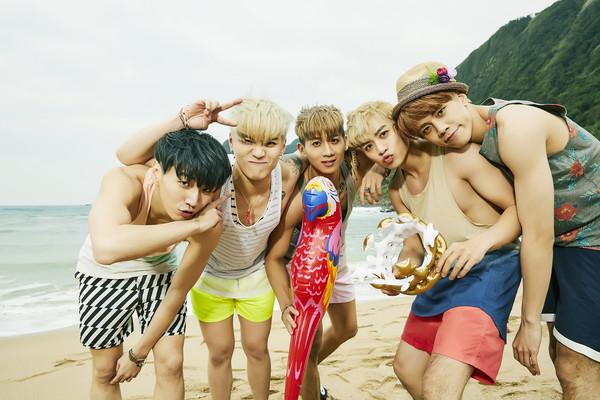 TOP1男子汉(左起:斯辰、宜孟远、翔翔、家伟)