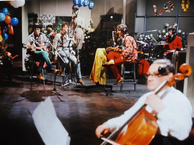 披头士乐队未公开照片纽约展出 展现四人私下状态