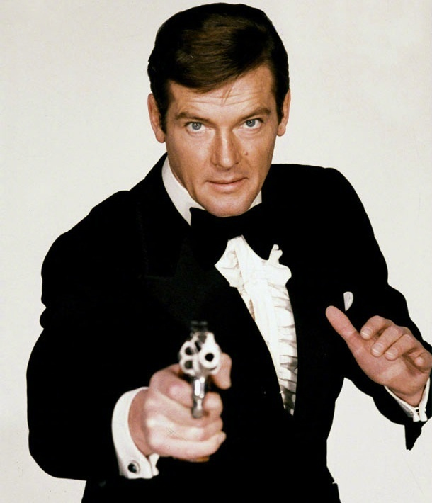 """最帅的""""007""""罗杰·摩尔癌症去世 享年89岁"""
