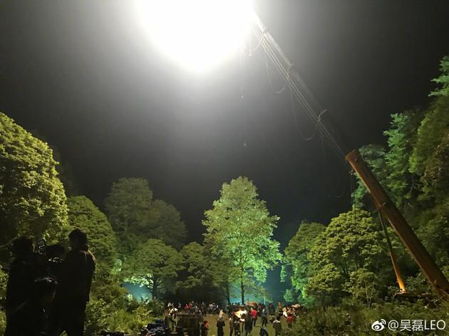 吴磊拍摄大夜戏