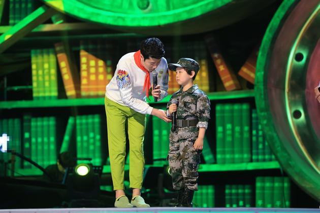 蔡国庆忆第一首军歌 阎维文教唱《说句心里话》