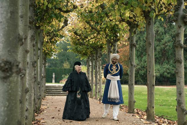 """当卡里姆与女王对视的刹那,两人建立""""奇怪""""友谊"""