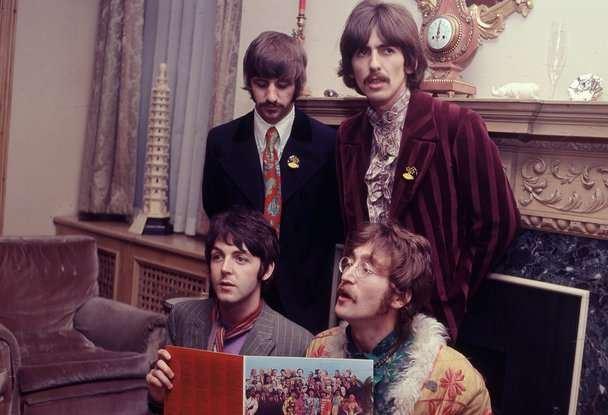 披头士经典专辑发行 有望五十年后再夺英国榜冠军