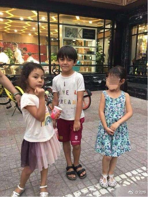 刘烨讨伐网友把诺一霓娜拍得灰头土脸:学理科的!