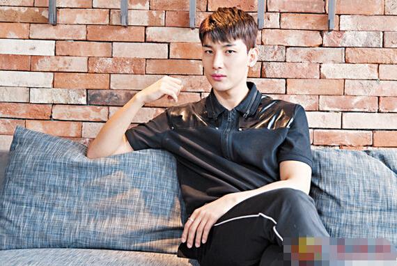 韩国足球员卢志勋踏上歌手路 一手包办作词作曲